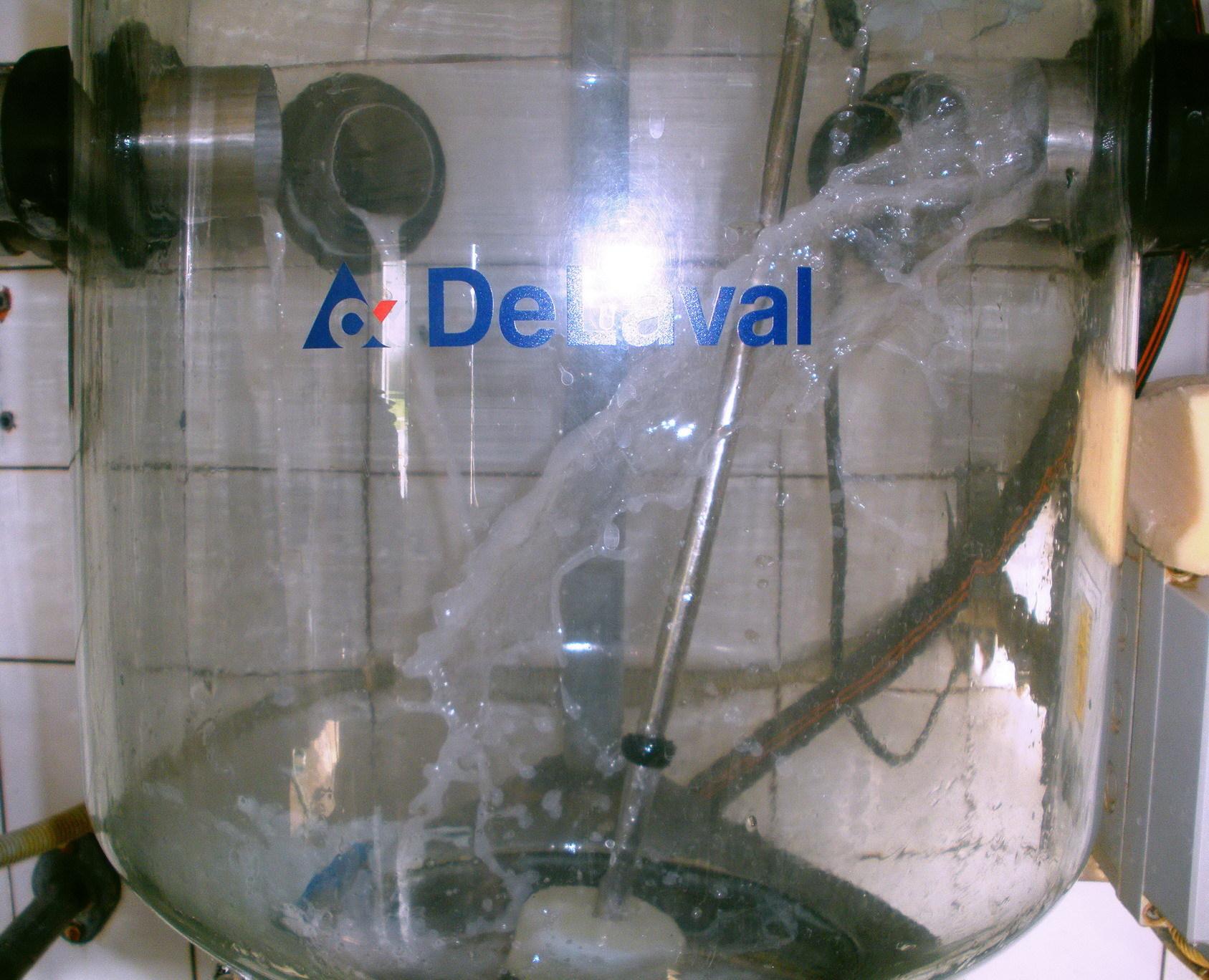 alkaline detergent